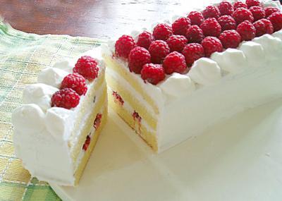 たっぷりラズベリーケーキ