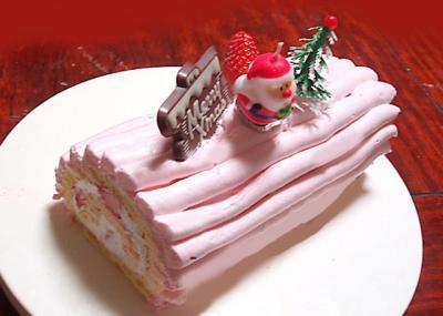 ピンクのブッシュドノエル