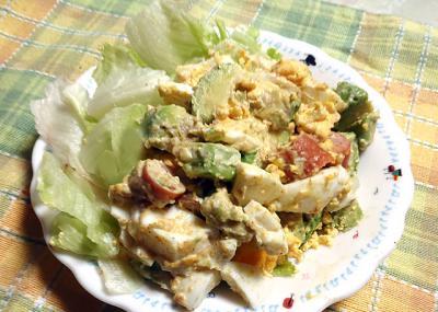 アボカドと卵のサラダ