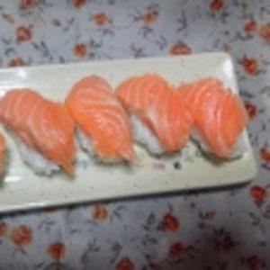 大トロサーモンの握り寿司