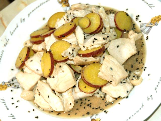 鶏とサツマイモのサワー炒め