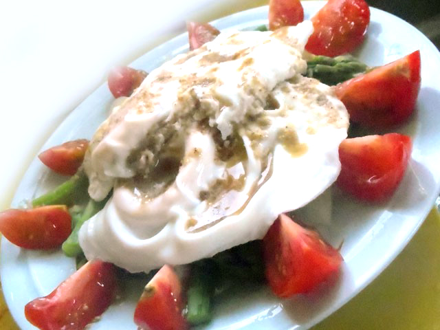 アスパラのエッグサラダ