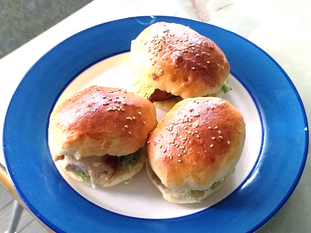 HB使用!米粉入りパンで!フライドチキンバーガー♪
