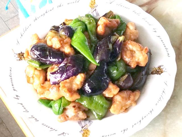 中華風?和風?揚げ野菜と鶏モモのオイつゆ炒め♪