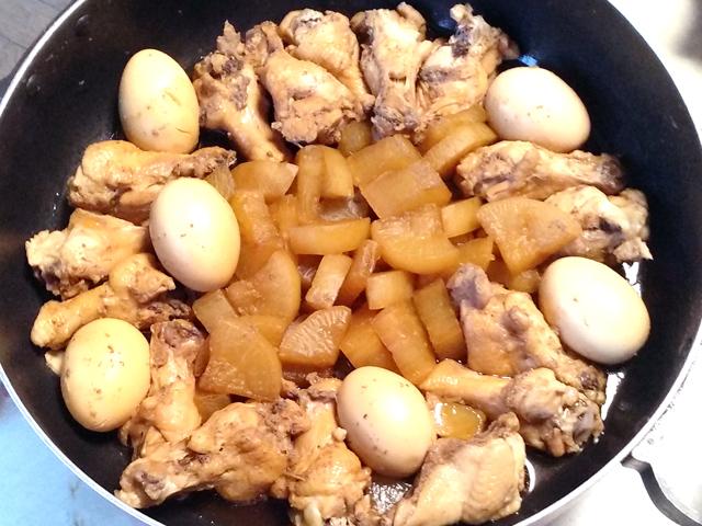 夏にも冬にも!手羽元と大根・卵のこっくり煮♪