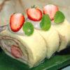 ひび割れなし!苺とチョコクリームのシフォンロール♪