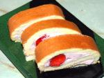父の日に!フルーティな苺クリームのロールケーキ♪
