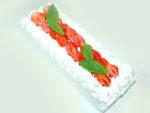 シフォンロール生地で!苺のスクエア三段ケーキ♪