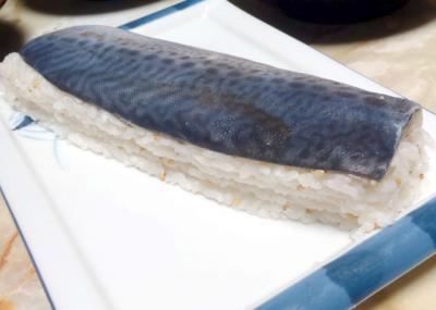 しめ鯖のバッテラ寿司