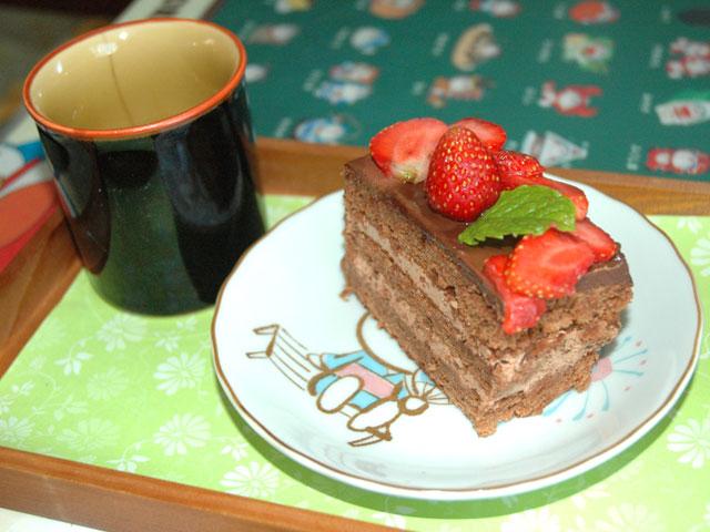 苺とチョコのしっとりケーキ