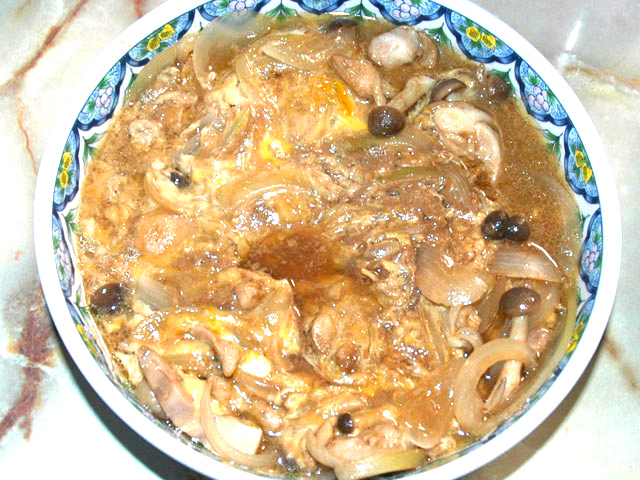 鶏モモ肉のソース卵とじ