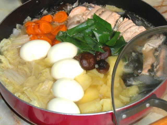鮭のアラの塩鍋
