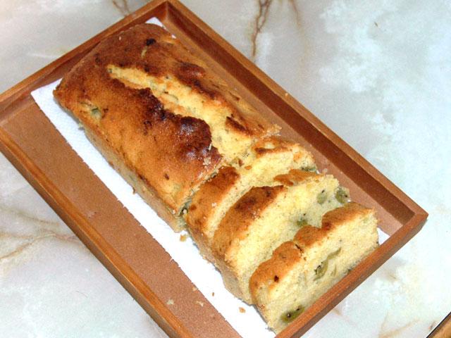 コクワのパウンドケーキ