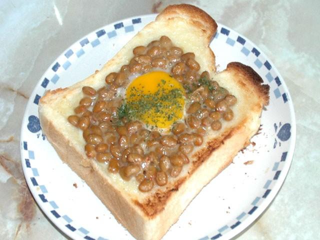 納豆卵トースト