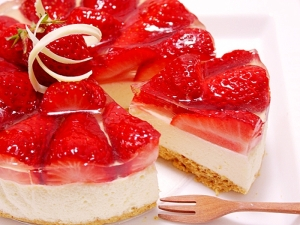 楽天レシピのススメ:いちごのレアチーズケーキ