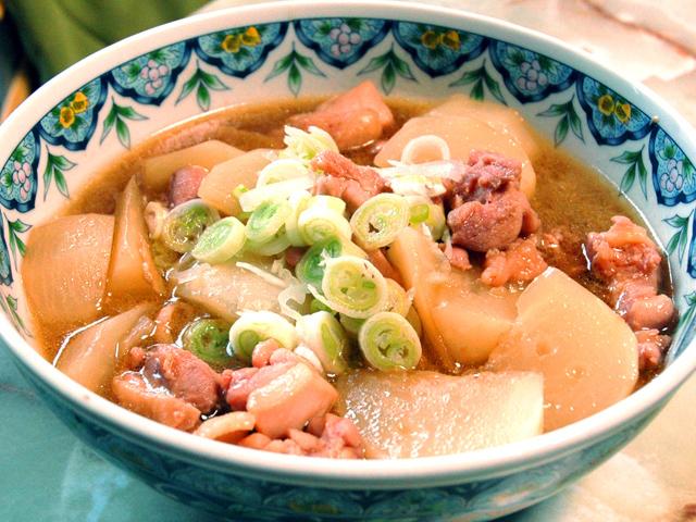 短時間で味が染みる!かぶと鶏もも肉の中華風煮込み♪