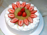 クリスマスカラーで!苺とキウイソースのデコケーキ♪