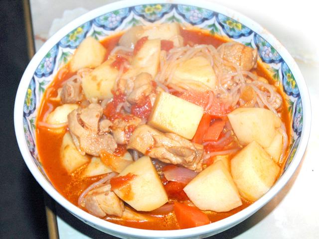 ちょっとイタリアンに!トマトとチキンの肉じゃが風♪