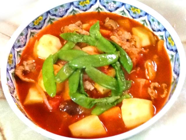 豚こまと里芋とたっぷり野菜!トマト味の簡単シチュー
