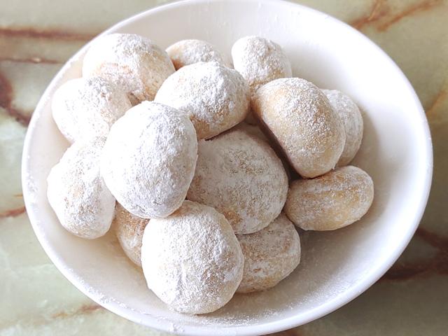 雪解けの味!シンプルなスノーボールクッキー♪
