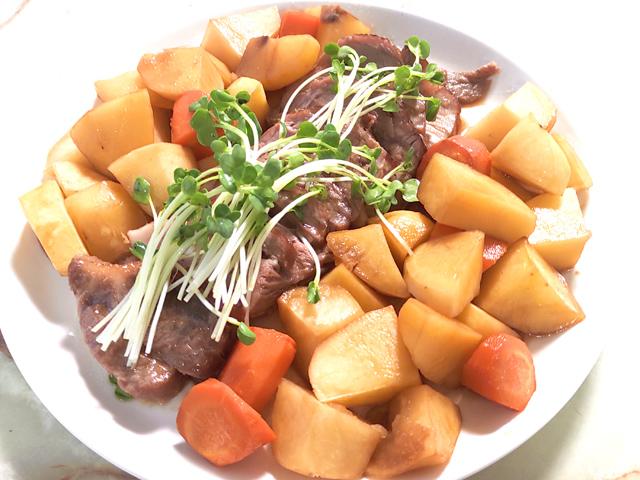 オーブンで簡単!豚ロース肉と根菜の照り焼き風♪